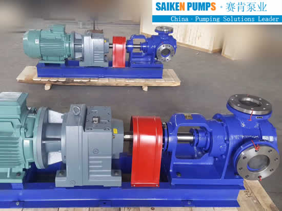 JACKET GEAR PUMPS WITH pressure relief valve